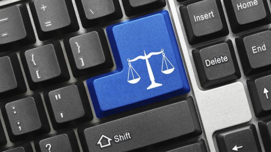 """Los """"buenos"""" jueces y las decisiones populares en la sociedad de la información *"""